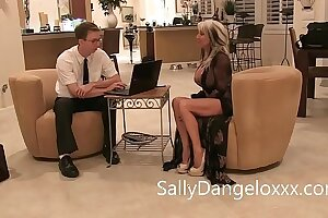 Geek Squad guy gets laid by MILF Sally D'angelo