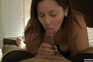MILF gets her ass fucked hard in exclusive homemade video