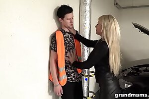Grey added to rich leather dressed slut fucks the car repair guy