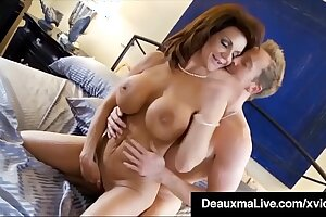 Curvy Cougar Deauxma Gets Pussy & Learn of In Hot 3Way FuckFest!
