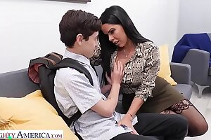 Naughty America Diamond Kitty fucks student to circumvent his mouth tiny