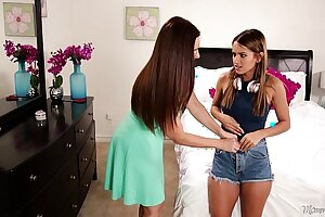 Mom sniffing the knickers of a young girl! - Mindi Mink, Uma Jolie
