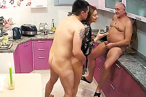 Stepmom Loves Hard Dick with regard to Threesome Sex With Cuckold Husband