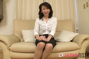 Finished Japanese Granny Squirts Hard - JapanLust-com