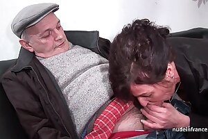 Amateur mature abiding DP and facialized in 3way with Papy Voyeur
