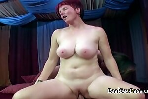 Two chubby matures pleasing four cadger